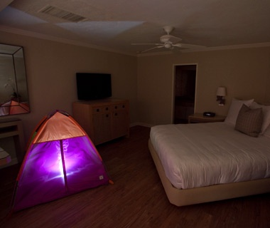 201206-w-unexpected-room-service-cavallo-surf-and-sand-resort