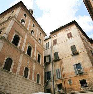 201206-a-walking-tour-rome