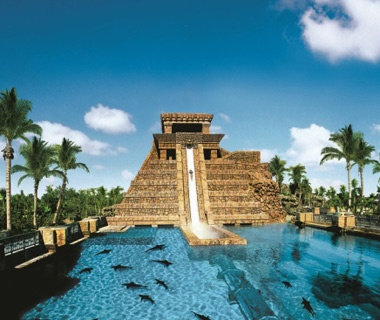Leap of Faith waterslide in Aquaventure Water Park, Bahamas