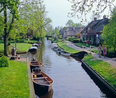 World S Most Beautiful Canal Cities Travel Leisure