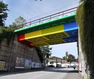 201210-w-strangest-bridges-lego-bridge