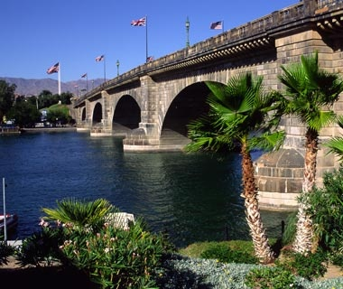 London Bridge: Lake Havasu, AZ