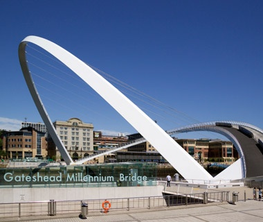 Gateshead Millennium Bridge: Newcastle, England