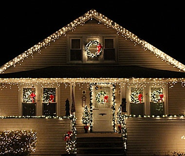 Beautiful Christmas Lights Around the World | Travel + Leisure