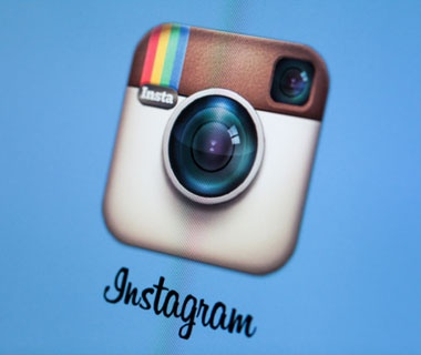 False Instagram Accounts Offer Free Plane Tickets