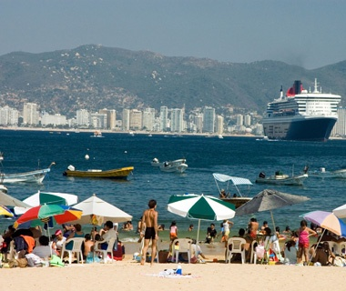 201303-w-crowded-spring-breaks-acapulco