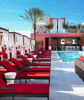 201309-ss-local-experts-los-angeles-hotel-pools-wet-deck-at-w-hollywood