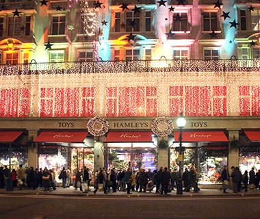 201312-w-greatest-toy-stores-hamleys