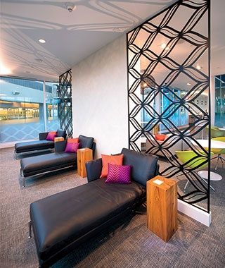 Air Travel: You Will Be Tempted by an Independent Lounge