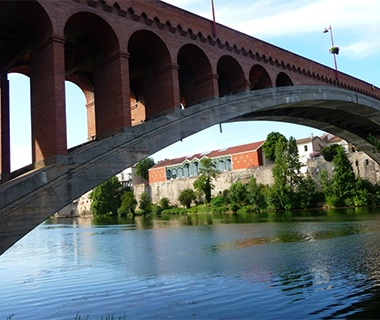 Longest Masonry Arch Bridge Span: Pont de la Libération, Villeneuve-sur-Lot, France