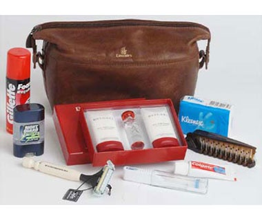 201310-ss-first-class-amenity-kits-emirates