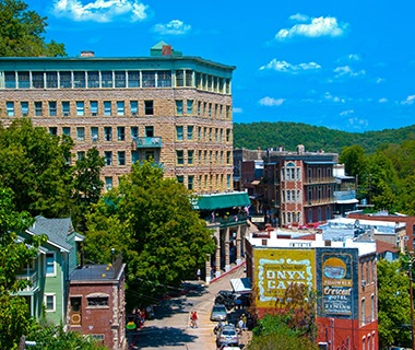 mountain town of Eureka Springs, AR