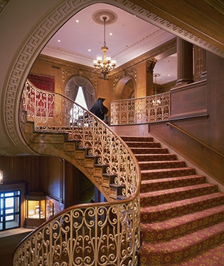 201410-w-best-hotels-in-seattle-fairmont-olympic-hotel