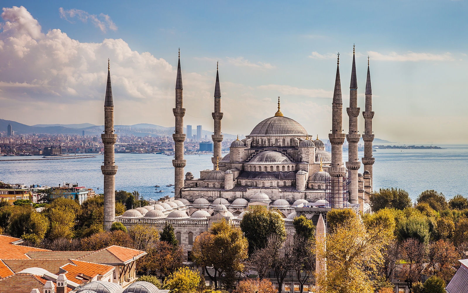 Sultan Ahmet or Blue Mosque in Istanbul, Turkey.