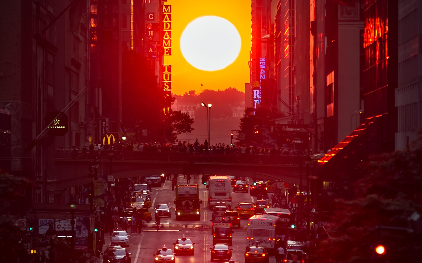 Manhattanhenge in New York City
