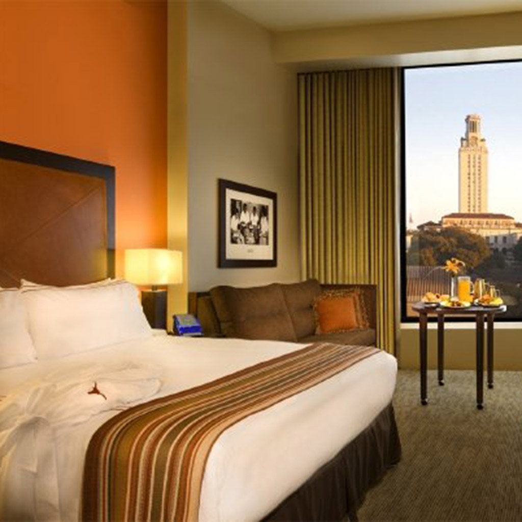 Where-to-Stay-Near-University-of-Texas