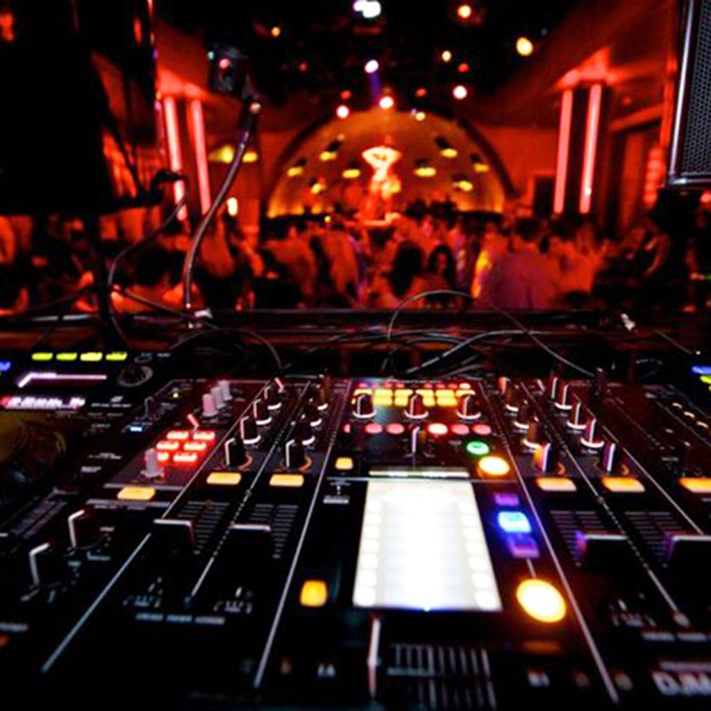 Best Nightclubs in the Bahamas