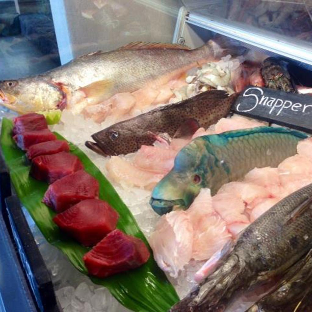 Top 5 seafood restaurants in costa rica travel leisure for Tamarindo costa rica fishing