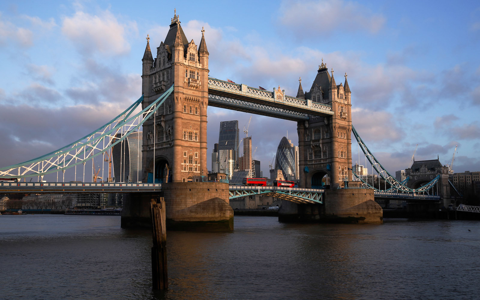 $199 Flights to London Are Coming to the West Coast