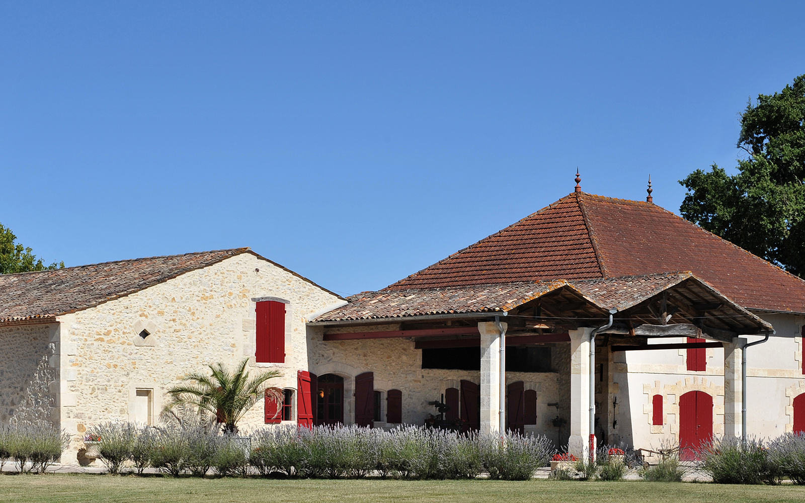 LOOS0415-Chateau-Donissan-photo.png