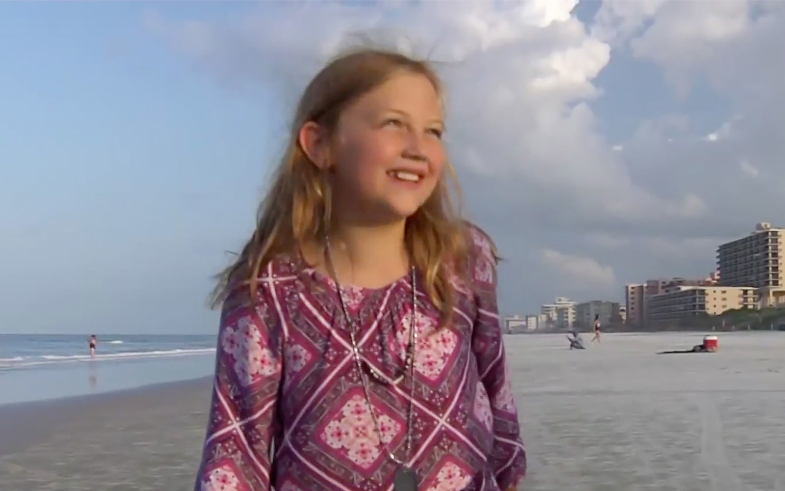 Maggie Crum , 9-year-old girl details frightening shark attack in knee-deep water