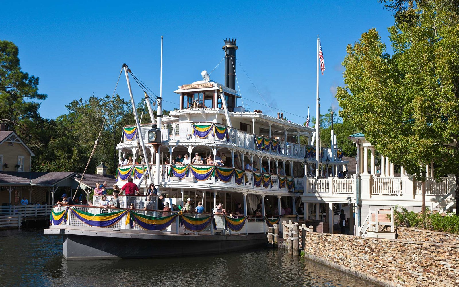 Former Disney Staffers Share Their Best Hacks For The Parks