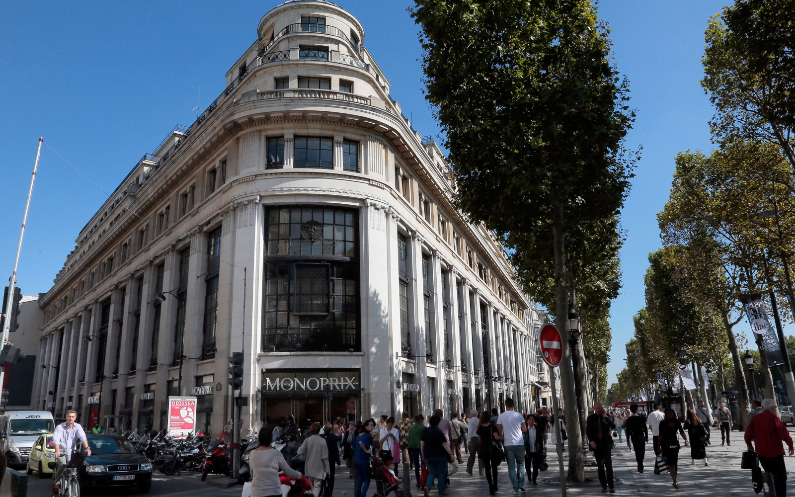Parisian Women's Style Secret is Local Shopping Mecca Monoprix