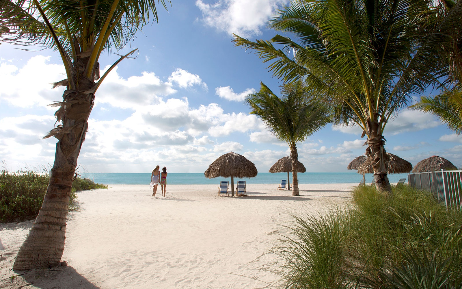Weekly Travel Deals: Belize, New Hampshire, and 50% Off a Tour in Australia