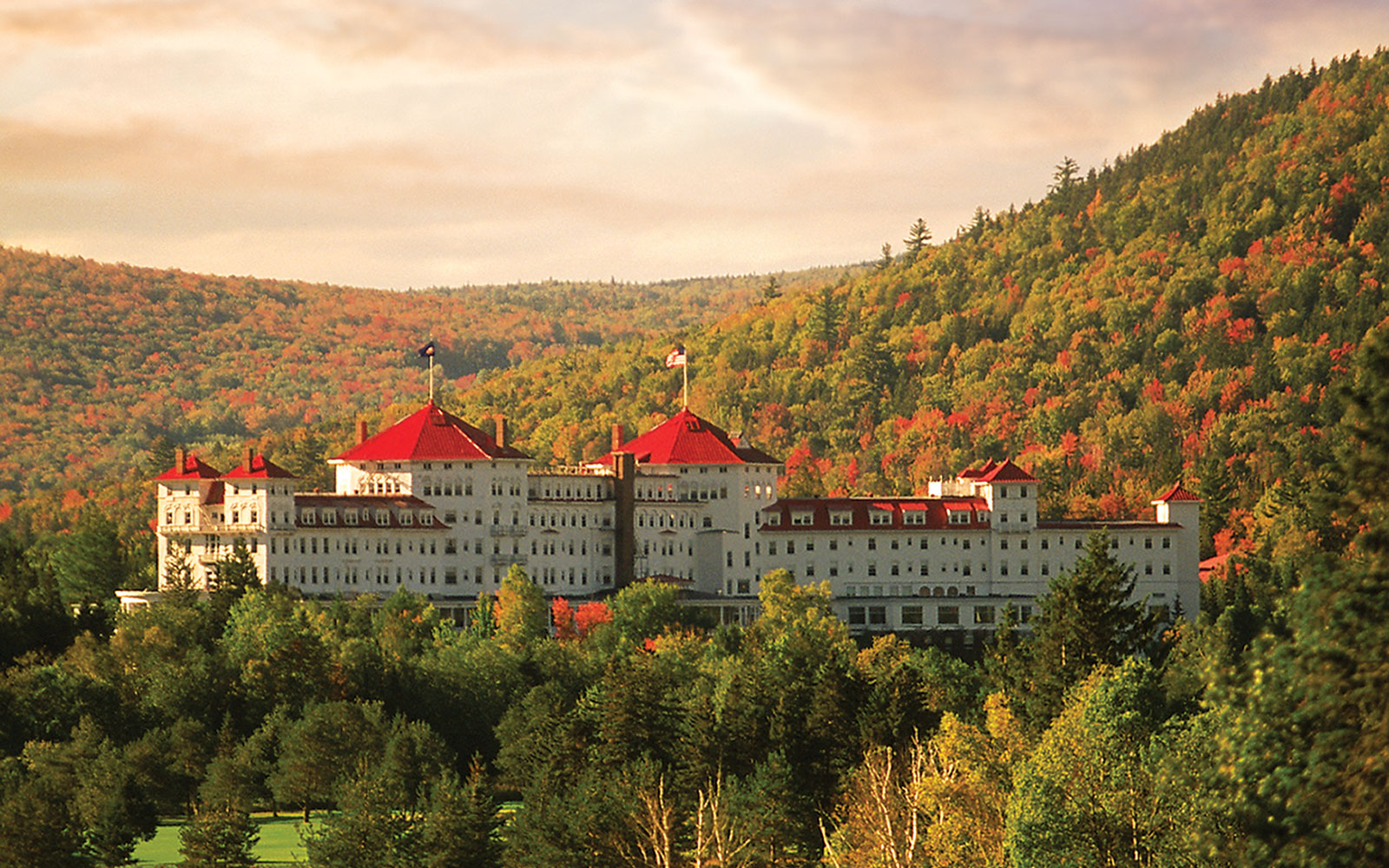 America\'s Best Hotels for Fall Colors | Travel + Leisure