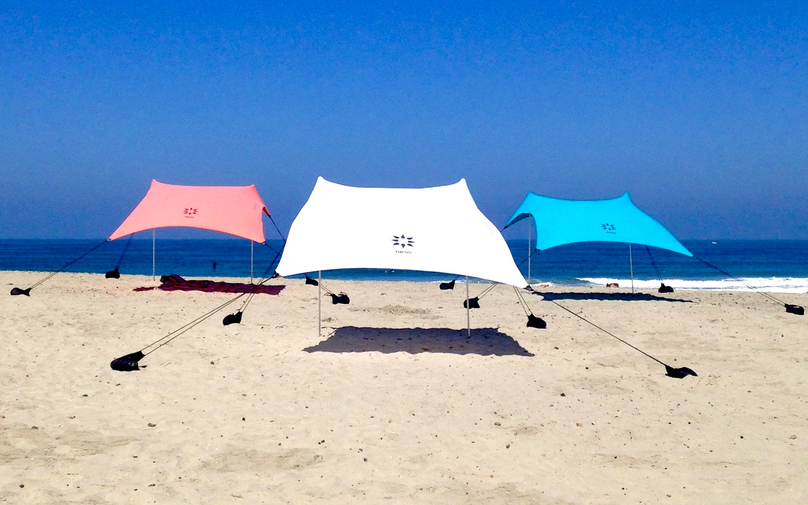 POPTENT0915 & Travel Product Review: Neso Beach Tent | Travel + Leisure