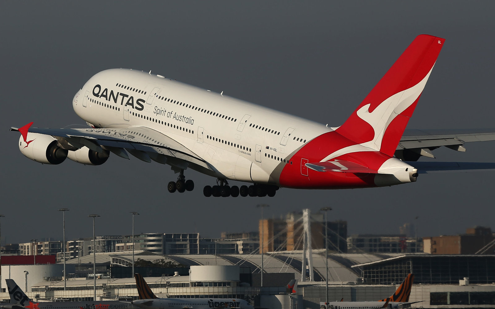In latest pledge to counteract climate change, Qantas reveals their plan