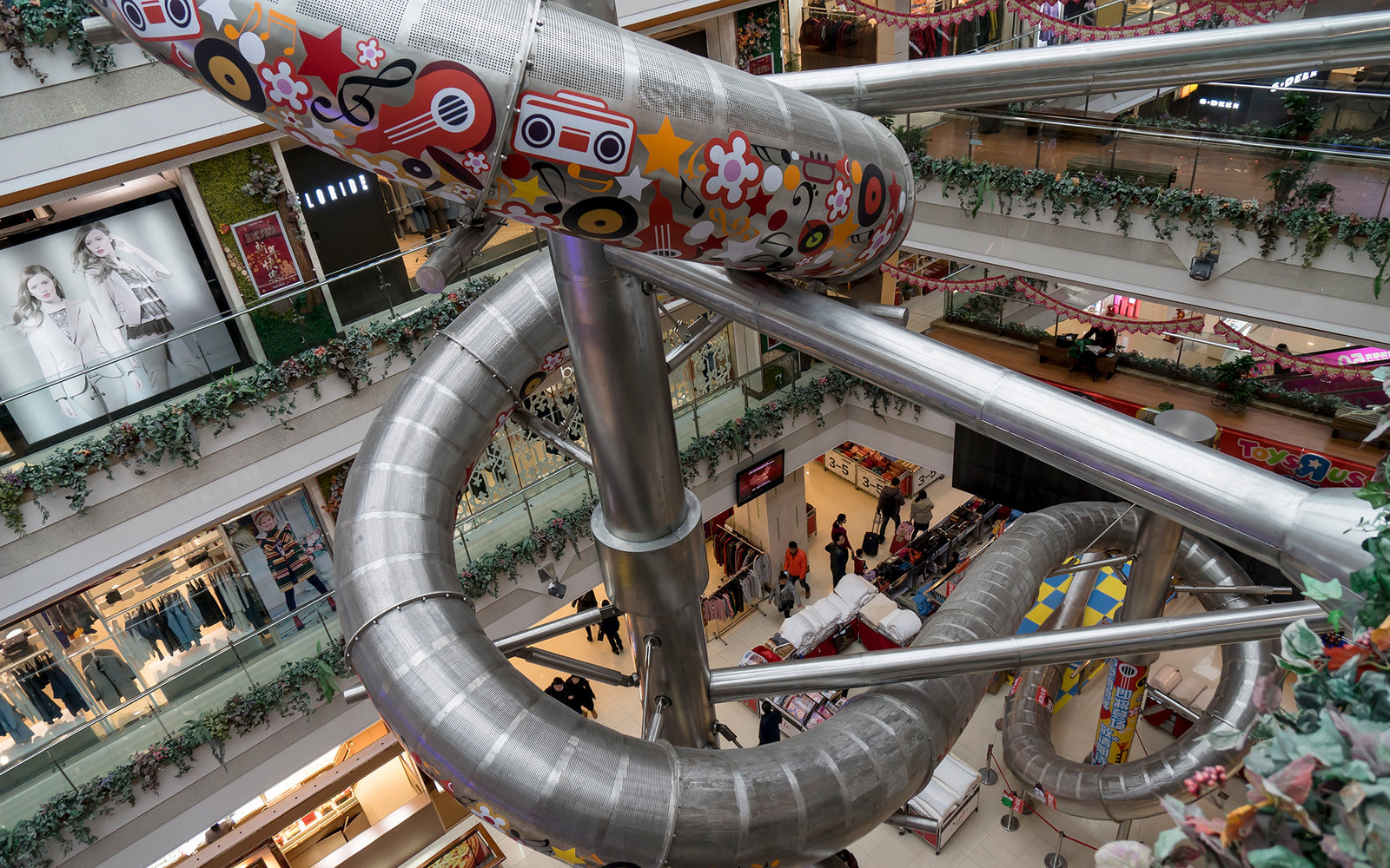 Forget Shopping, There's Five-Story Slide You Can Ride in a Shanghai Mall