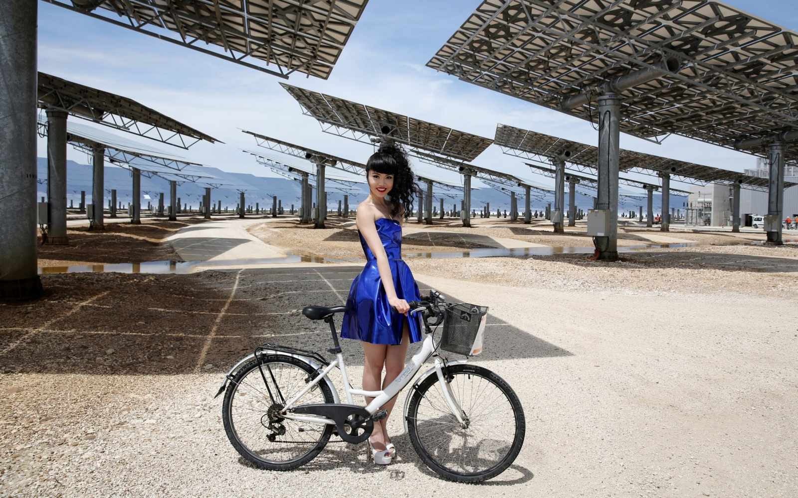 Solar Power Catwalk