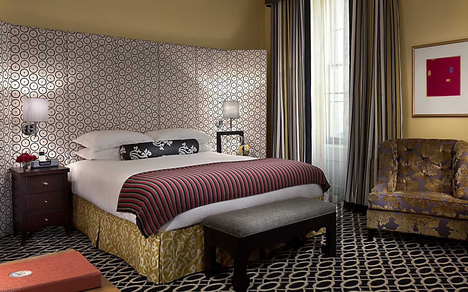 Top hotels for solo travelers travel leisure for Hotel monaco decor