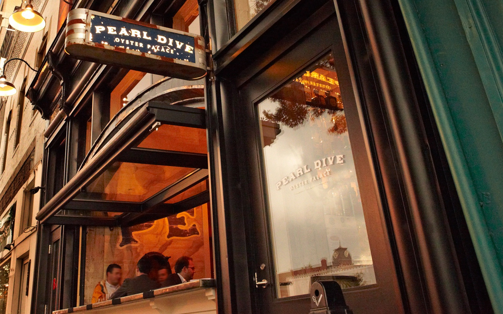 Pearl Dive Oyster Palace in Washington D.C.