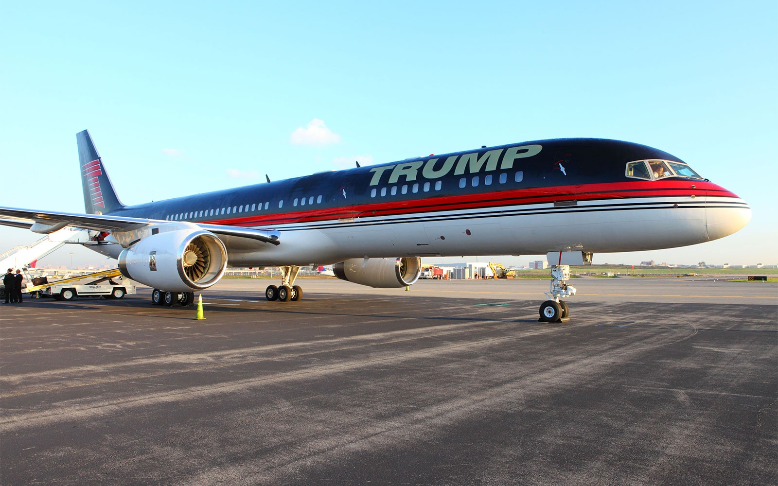 TRUMP0715-force-one.jpg