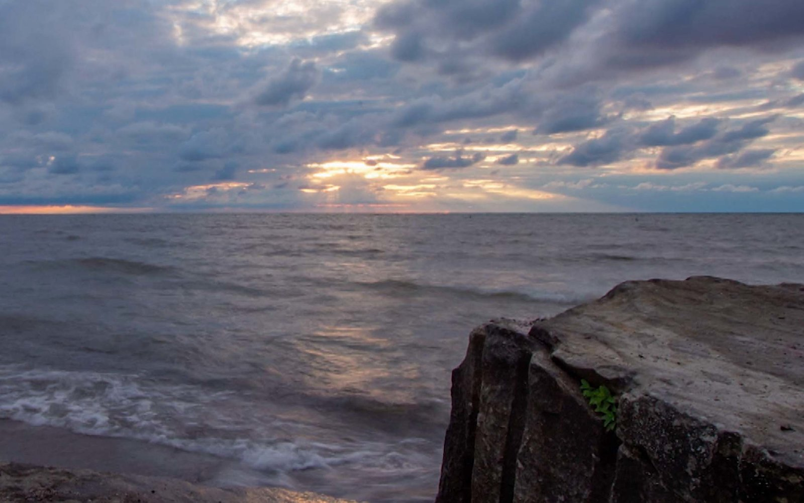 The Best Lake Erie Beaches For A Relaxing Getaway Any Time