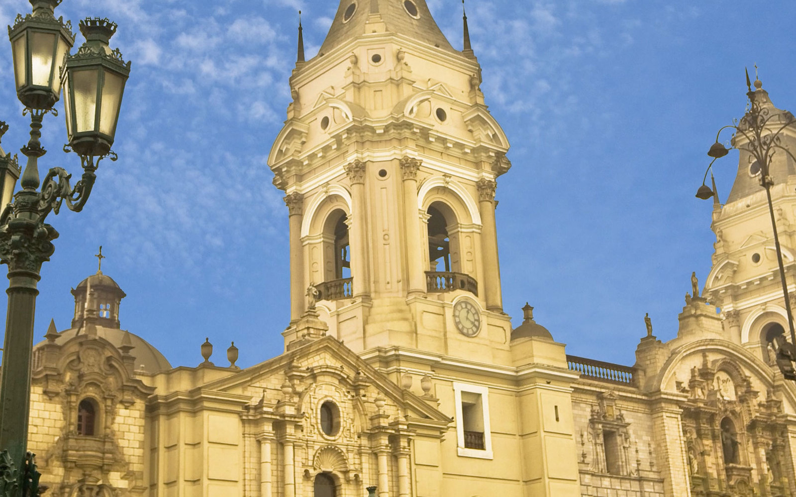 VIDEO: Five Things to Do in Lima
