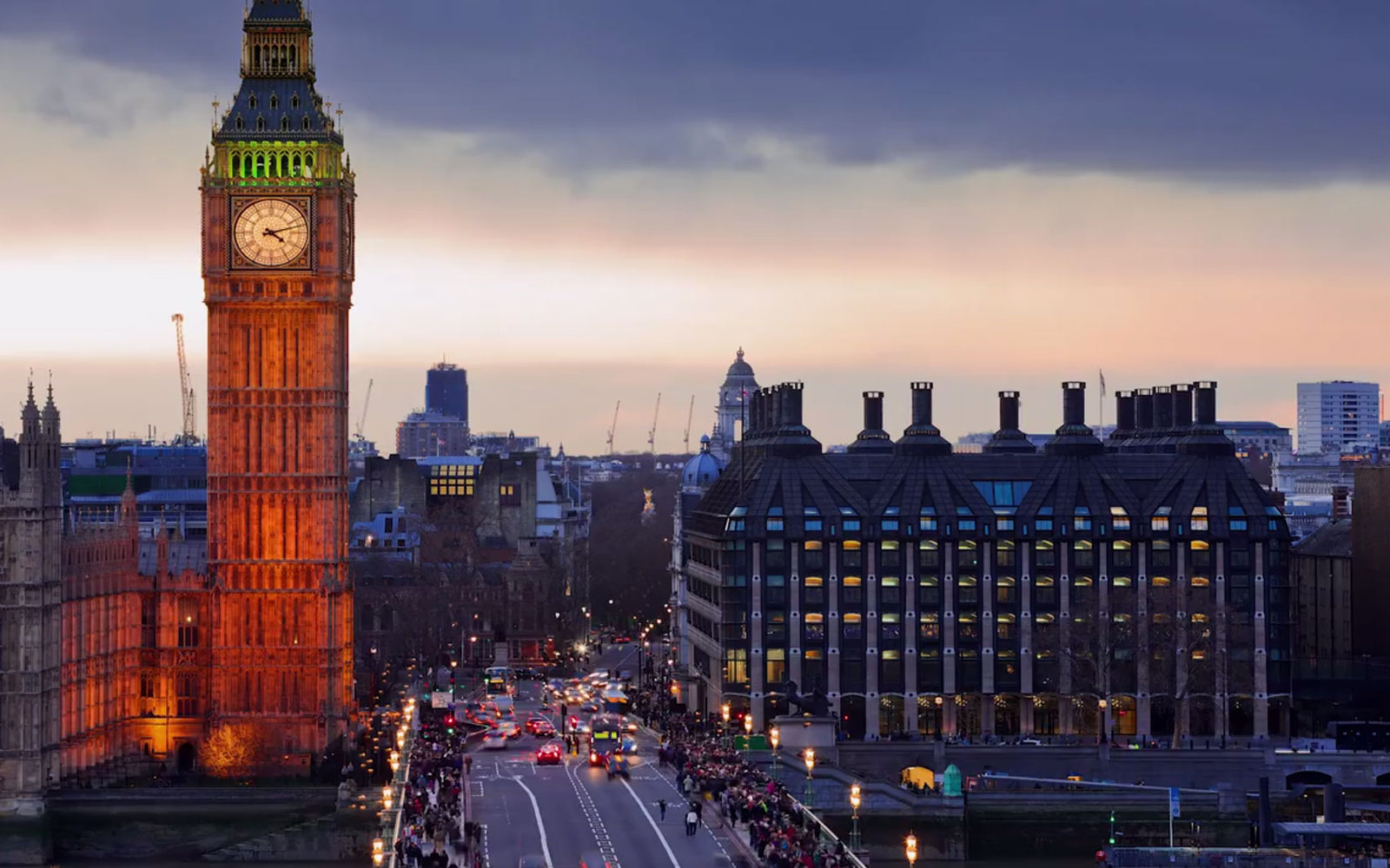 VIDEO: Five Things to Do in London
