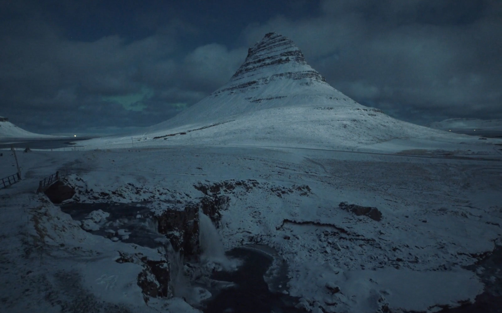 Iceland's Landscapes Are Even More Breathtaking Under a Full Moon
