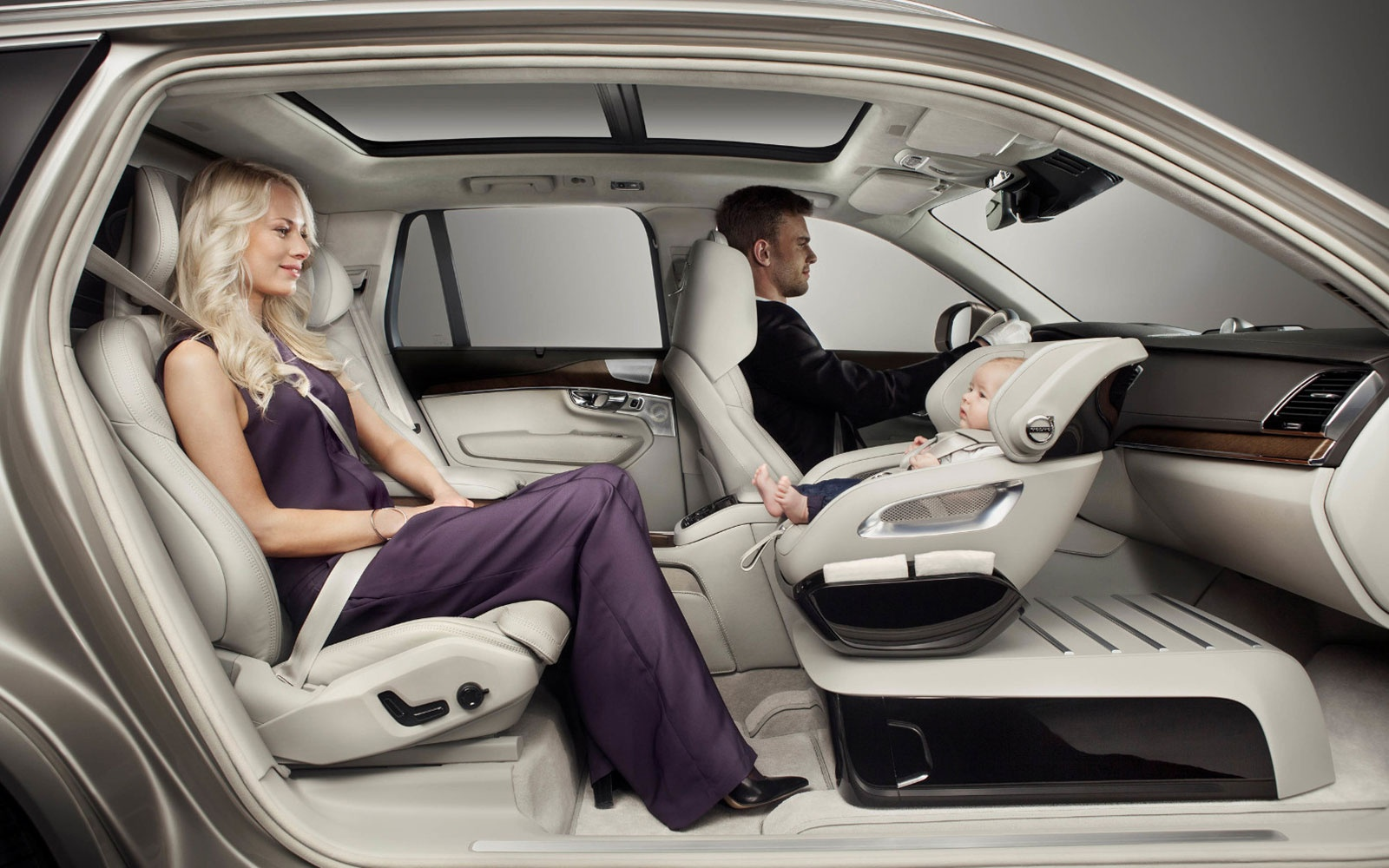 Volvo0715-XC90-Excellence-Child-Seat-Concept.jpg