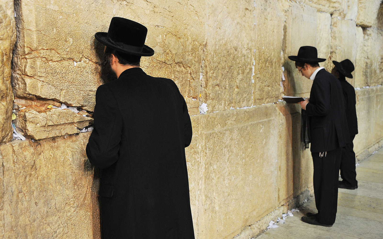 mixed gender prayer coming to the western wall travel leisure