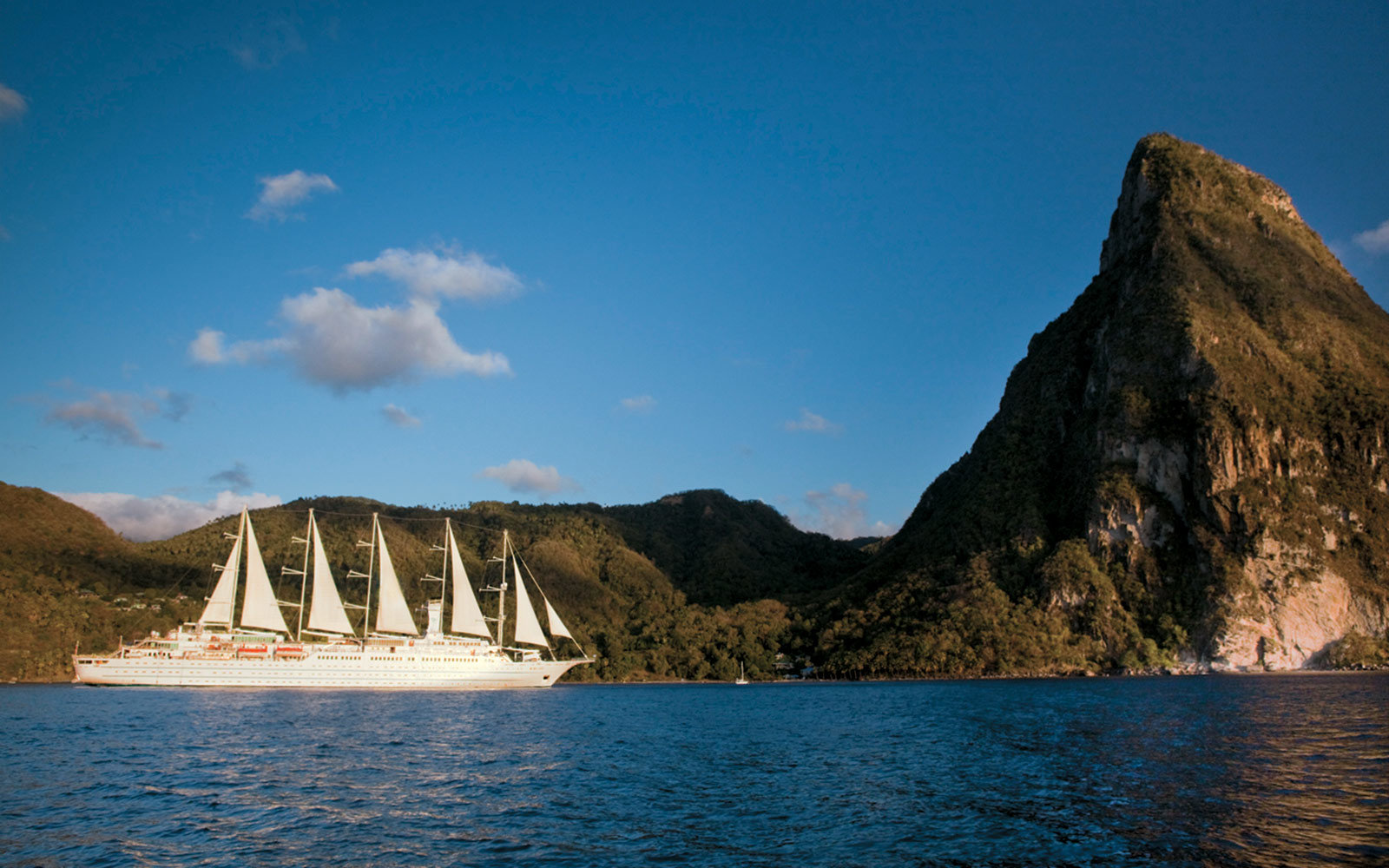 windstar-cruises-lead-MIDSHIPWB18.jpg