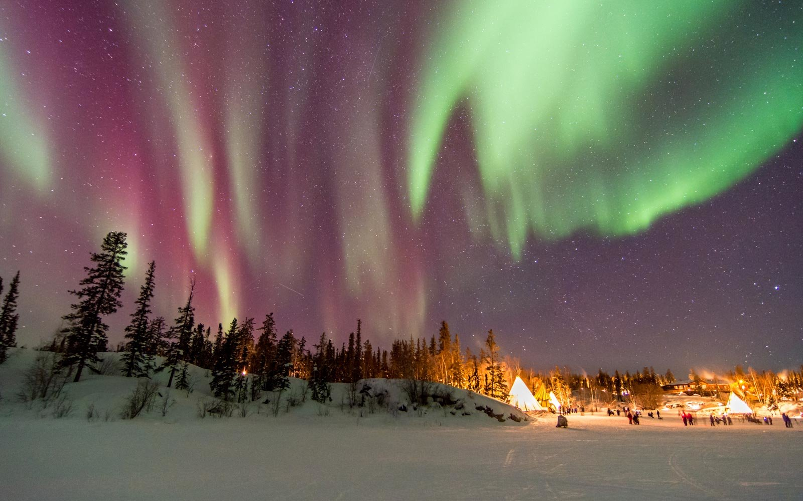 The Best Places To See The Northern Lights In March 2020