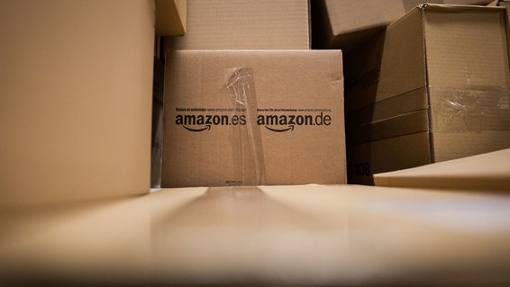 Amazon uses fake packages to try to trap drivers.