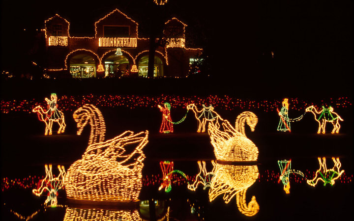 Best Christmas Light Displays In Every State Travel