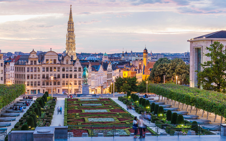 Belgium, Brussels, Mont des Arts, park and townhall tower, lower city in the evening
