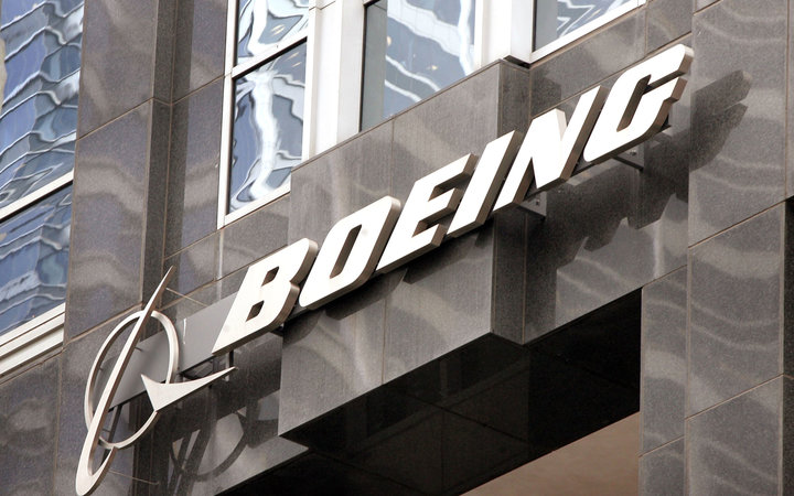Man Hacks Boeing