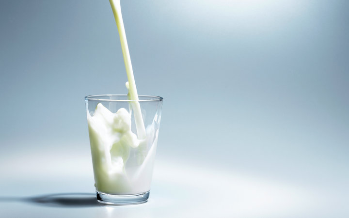 Here's Why You Should Be Drinking Whole Milk Instead of Skim