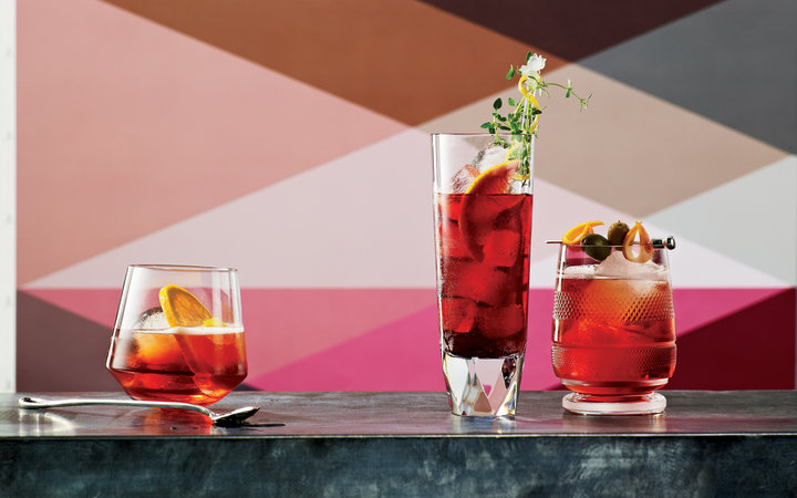 7 Best Cocktails to Drink While Cooking Weeknight Dinners